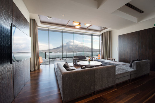Penthouse Yotei View Living Room Web 1